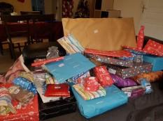 Mission emballage des cadeaux de Noël